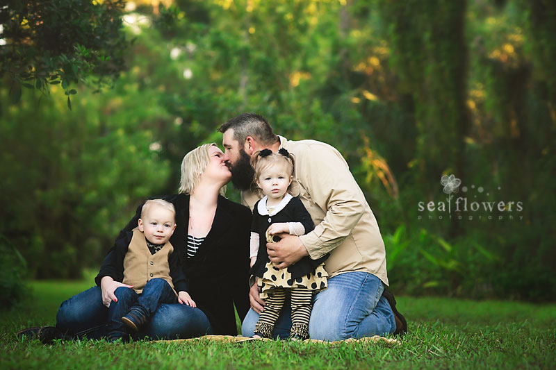 Jupiter Florida Baby Children Twins Family Barn Christmas Mini Photography - Sea Flowers Photography