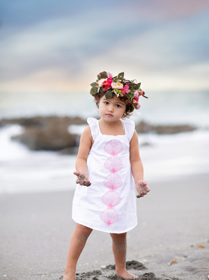 Jupiter Photographer - child on the beach in a floral crown